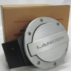 Лючок бензобака на Lancer X 08-13